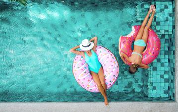Réserver une chambre d'hôtel à Lacaune-Les-Bains avec piscine