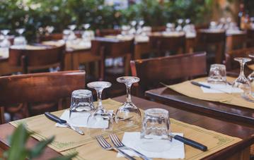 Où réserver une table le midi proche de Castres ?