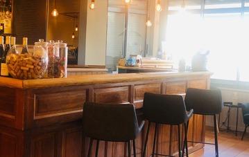 Rénovation bar-accueil-salle